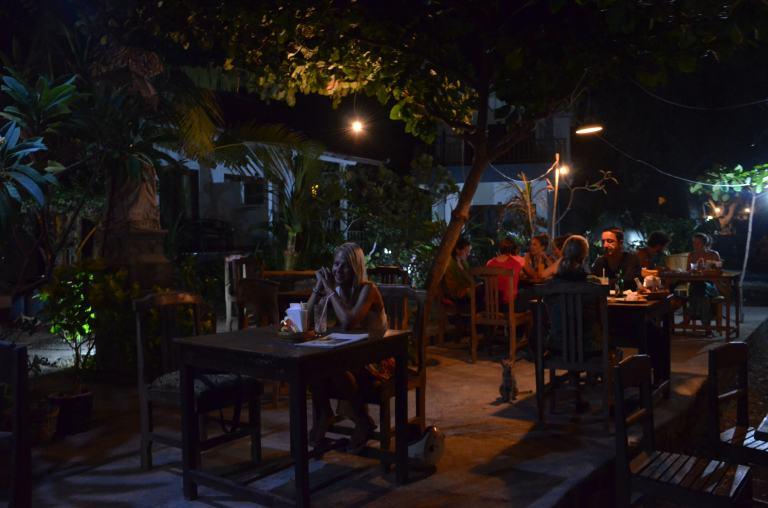 Unser Stammlokal fürs Abendessen: direkt am Strand